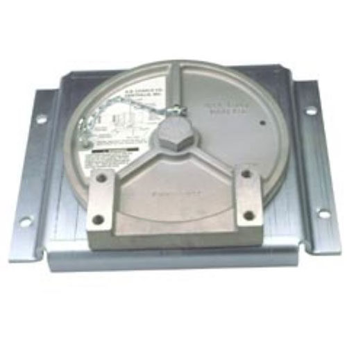 Product image of Chance C3080903 Swivel Bracket, Accepts C-Bracket. Use with 1,000 lb Capstan